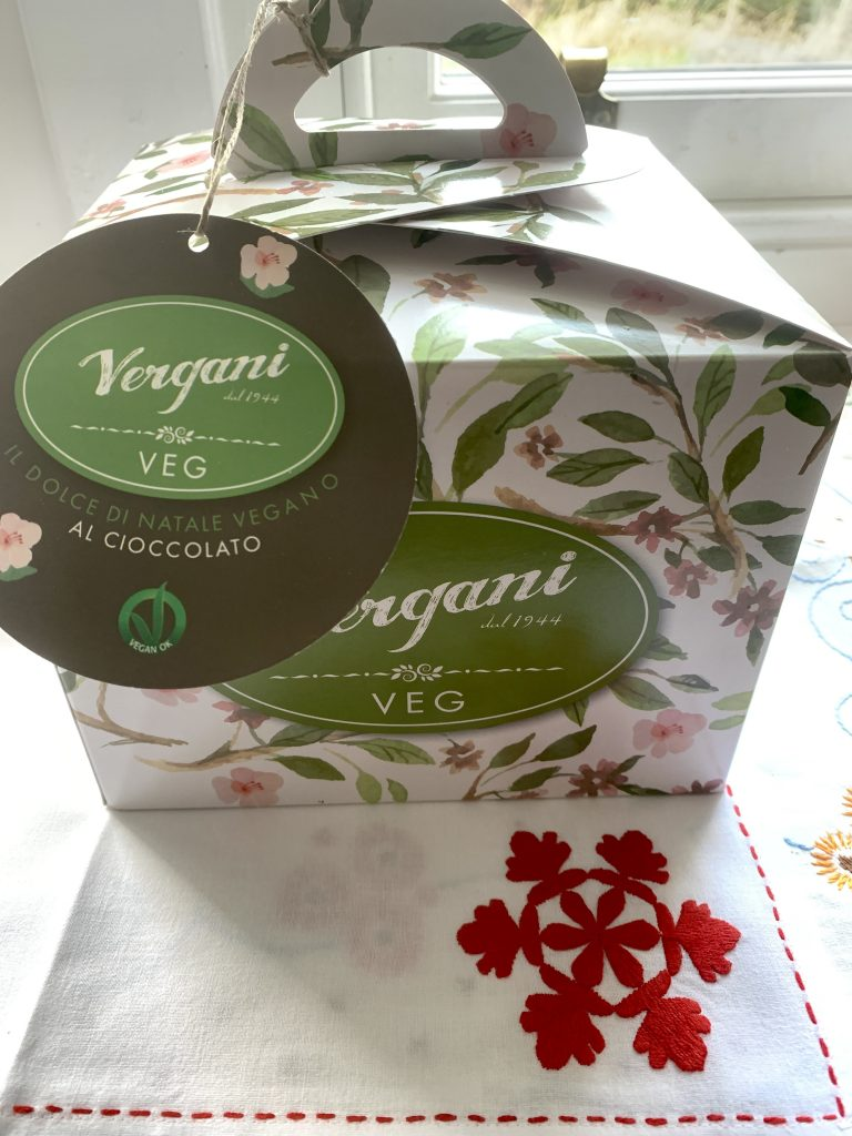 chocolate vegan panettone