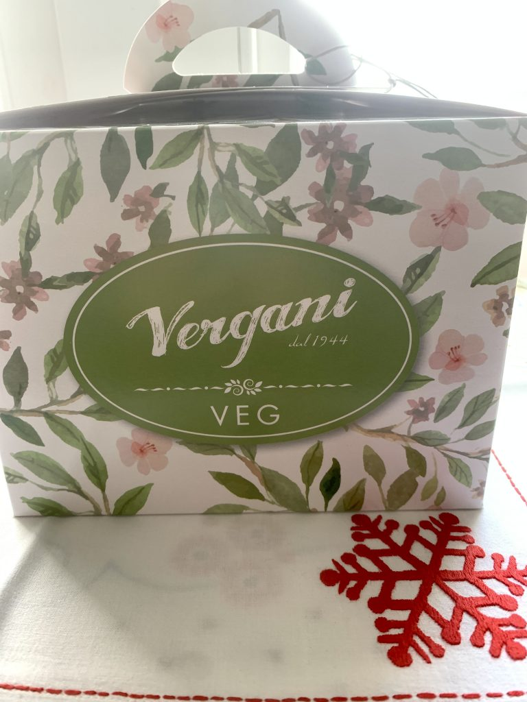 traditional flavour vegan panettone